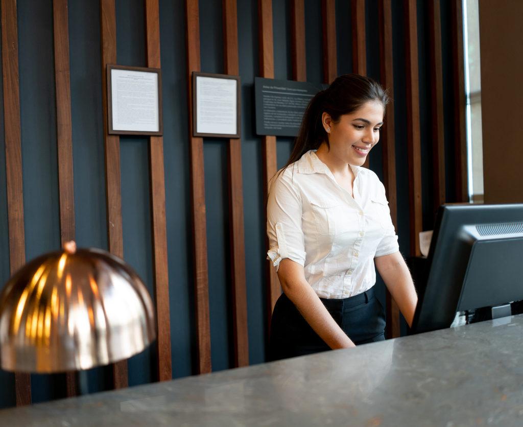 hoe je de met een digitaal documentenbeheer zorgt voor een soepele en compliant registratie van medewerkers en bezoekers